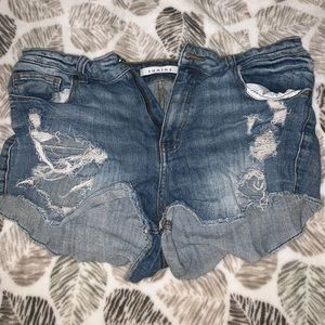 Eunina ripped jean shorts